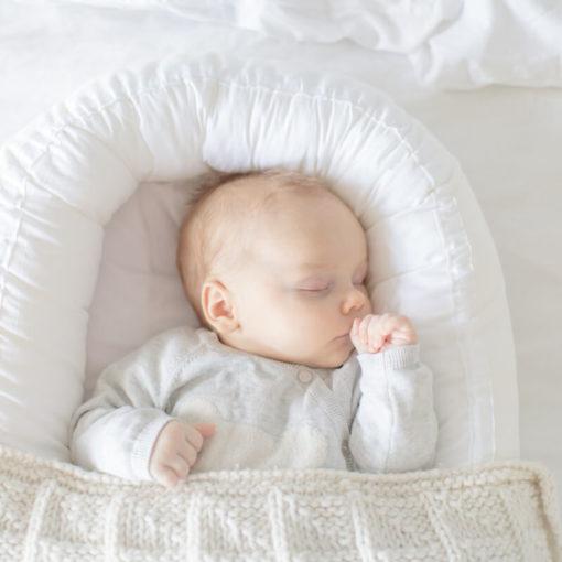 Bebiboo vauva nukkuu sikeästi